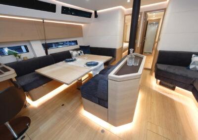Amel 60_interior